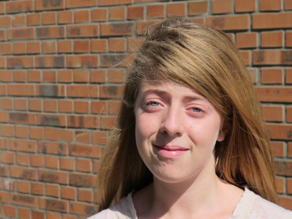 Ophélie, 14 ans,n'a jamais reçu aucun vaccin de sa vie, àLisieux (Calvados), mercredi 17 septembre 2014.
