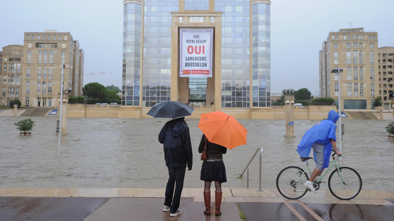 inondations orages l 39 h rault en vigilance rouge cinq autre d partement en orange. Black Bedroom Furniture Sets. Home Design Ideas