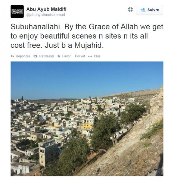 """En Syrie. """"Par la grâce d'Allah, nous profitons de sites et de paysages magnifiques et tout cela est gratuit. Il suffit d'être unmoudjahid."""""""