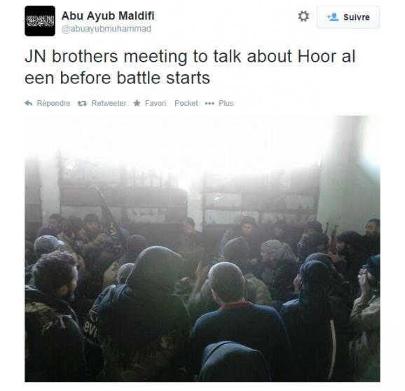 Des combattants du Front Al-Nosra se réunissent avant une bataille, le 13 mai 2014. La localisation n'est pas indiquée.