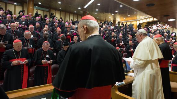 Video au vatican le pape fran ois bouscule les lignes for Garage solidaire lens