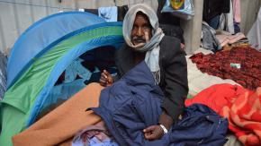 """A Calais, les migrants """"sont à bout"""""""