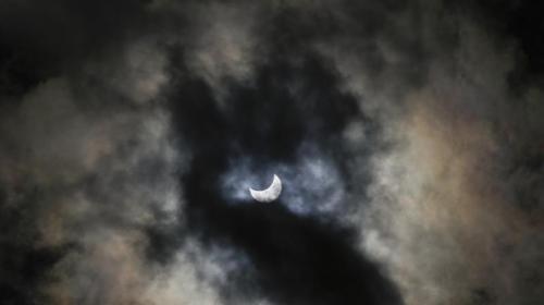 en images l 39 amerique du nord profite de la derniere eclipse solaire de l 39 annee