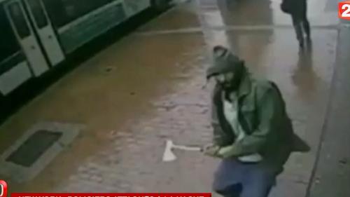video new york des policiers attaques a la hache par un pro jihad