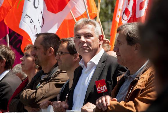 Thierry Lepaon, le secrétaire général de la CGT, durant une manifestation contre le gel des salaires des fonctionnaires, le 15 mai 2014 à Paris.