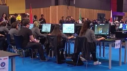 video paris games week les joueurs professionnels fascinent