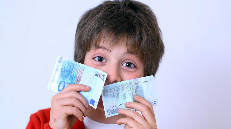 Video r compenser ses enfants avec de l 39 argent de poche une fausse bonne id e - Quel age a evelyne dheliat ...