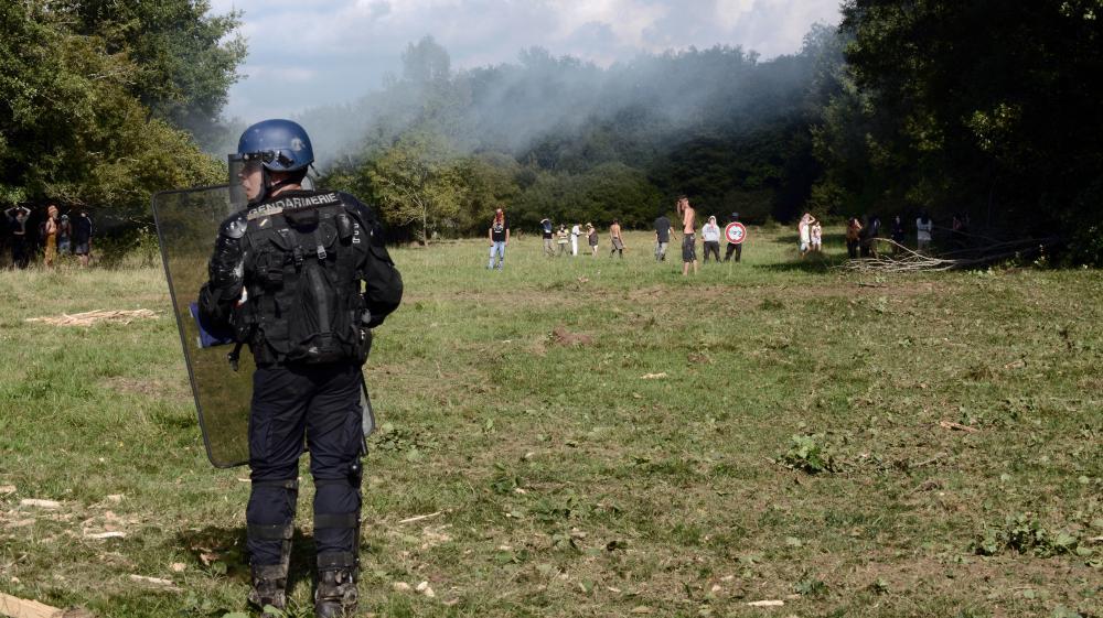 Un gendarme sur le site du barrage de Sivens (Tarn), le 9 septembre 2014.