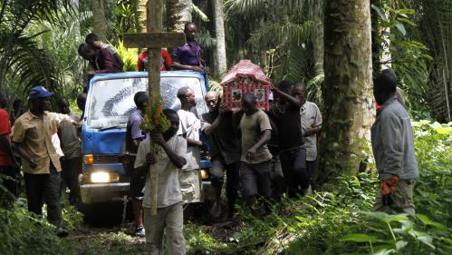 Une centaine de personnes massacrées dans l'est de la RD Congo