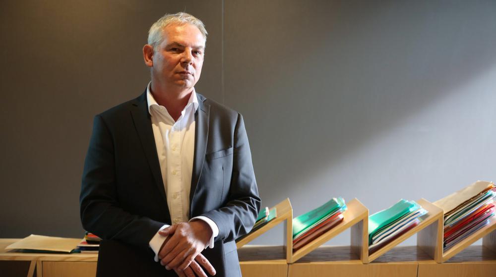 Thierry Lepaon, le secrétaire général de la CGT, dans son bureau, à Montreuil (Seine-Saint-Denis).
