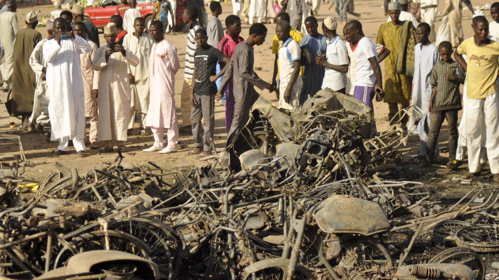 Plusieurs bombes ont explosé devant la mosquée de Kano (Nigeria), vendredi 28 novembre 2014.