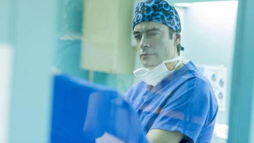 """""""Interventions"""" : pas crédible, la nouvelle série médicale française"""