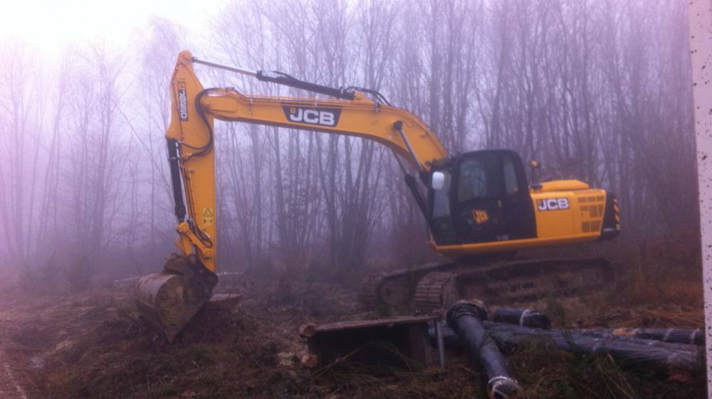 Sur le chantier du futur Center Parcs à Roybon (Isère), le 3 décembre 2014, les travaux sont à l'arrêt depuis deux jours.