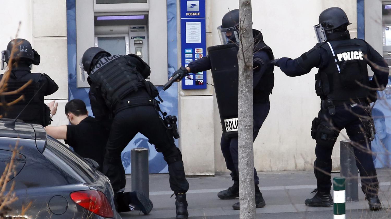 Video un preneur d 39 otages interpell dans un bureau de poste de colombes - Bureau de poste colombes ...