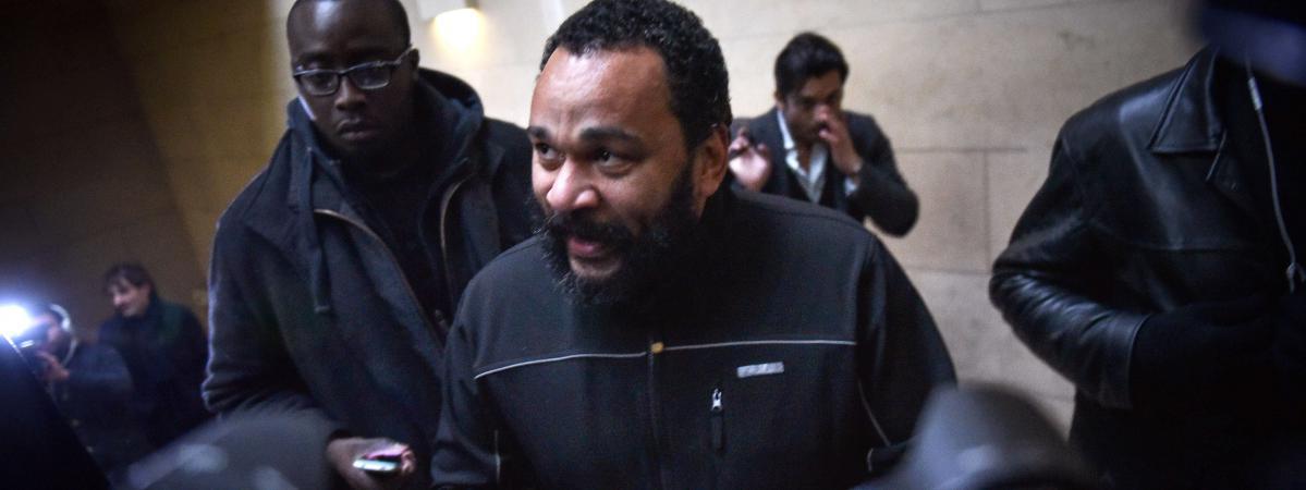 Au tribunal dieudonn revendique le droit de faire rire for Chambre correctionnelle paris