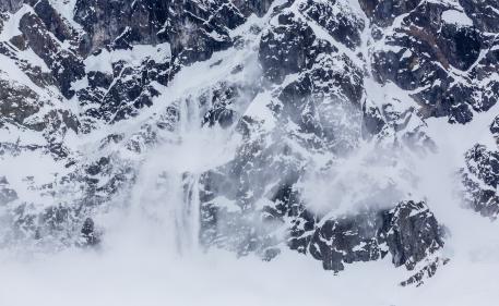 video-les-alpes-aussi-doivent-faire-face-a-un-fort-episode-neigeux