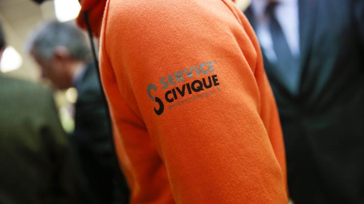 Huit Français sur dix souhaitent un service civique obligatoire