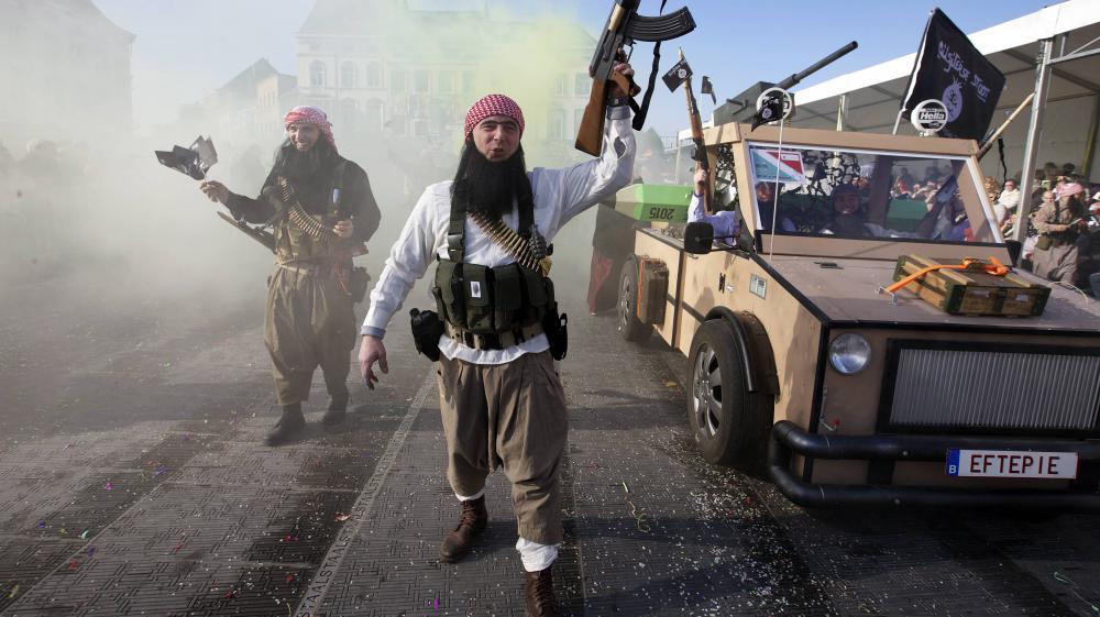 Le char jihadiste lors du carnaval d'Alost en Belgique, dimanche 15 février 2015.