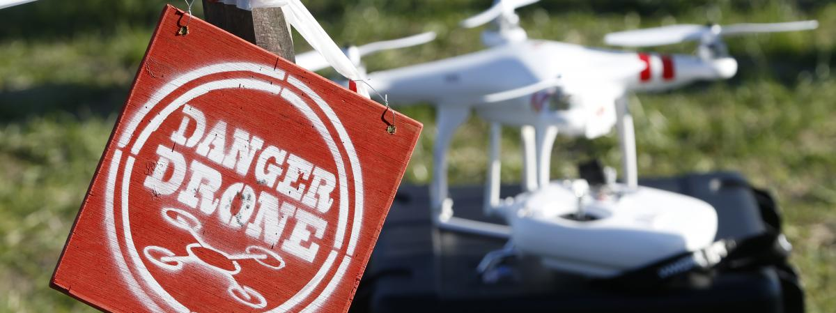 avis drone blacksior