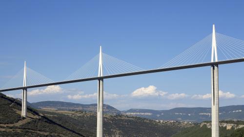VIDEO. Effondrement du viaduc de Gênes : comment les ponts sont-ils contrôlés en France ?