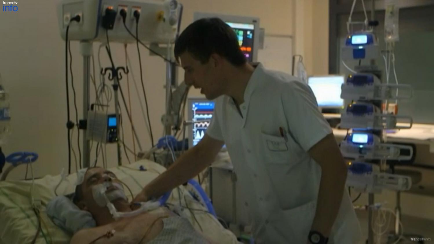 video les premiers signes de conscience d 39 un patient apr s 13 jours de coma. Black Bedroom Furniture Sets. Home Design Ideas