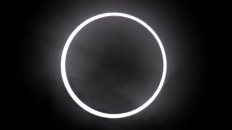 c7a1d6ba7f67a8 L éclipse solaire attire le regard des Européens