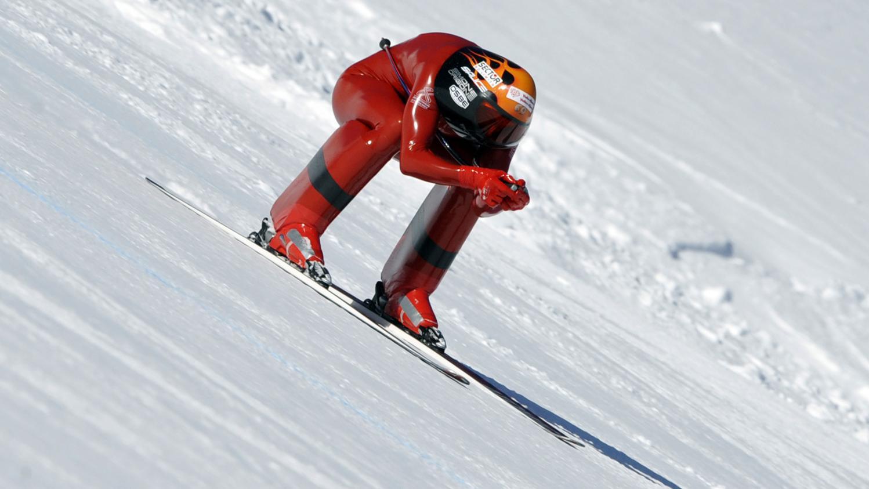 video il atteint 252 632 km h skis nouveau record du monde de vitesse. Black Bedroom Furniture Sets. Home Design Ideas