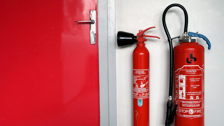 saint etienne risque d 39 incendie dans un cin ma construit dans une ancienne caserne de pompiers. Black Bedroom Furniture Sets. Home Design Ideas