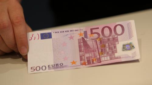 VIDEO. Le billet de 500 euros pourrait bientôt disparaître