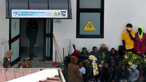 Cherbourg un campement de migrants vacu par la police for Self garage caen