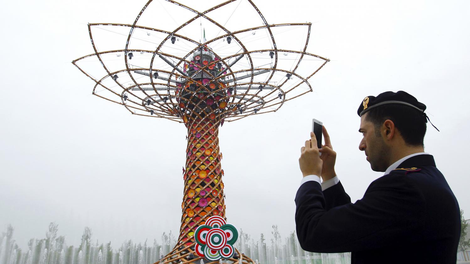 Stands Expo Universelle Milan : En images a quoi ressemble l expo universelle de milan