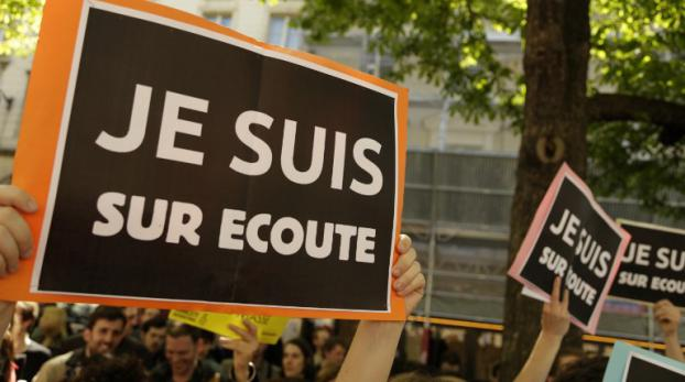 Manifestation contre la loi sur le renseignement à Paris, le 13 avril 2015.