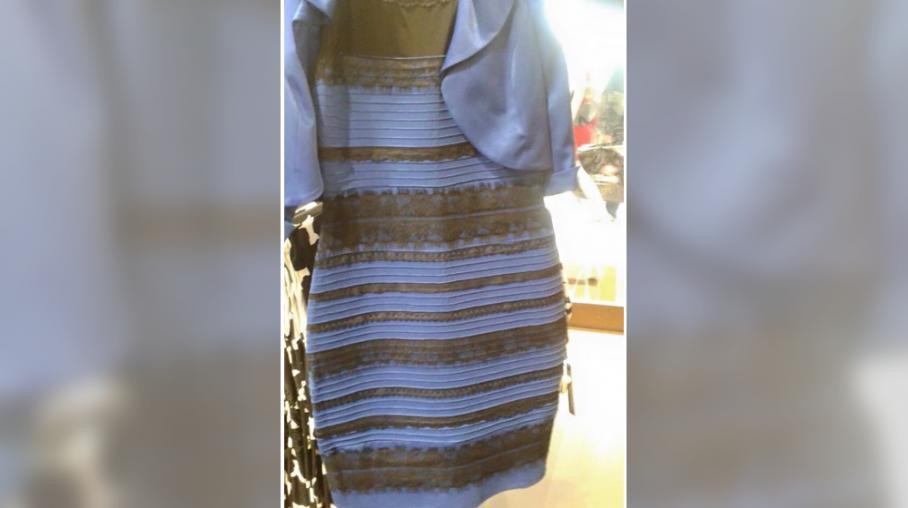 Robe bleue et noire reponse