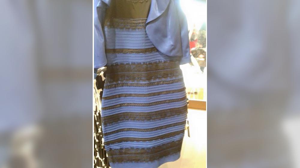 Robe bleue noir blanc or