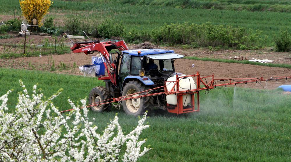 Epandage de pesticides à Thionville (Moselle), le 11 avril 2012.