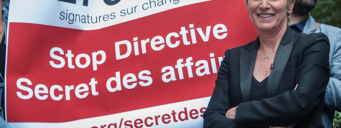 "La journaliste Elise Lucet défend sa pétition contre la directive ""secret des affaires\"", à Paris, le 15 juin 2015."