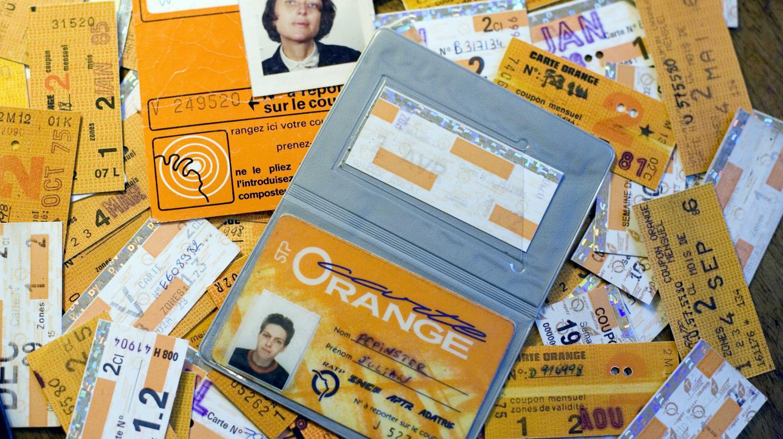 video la carte orange devenue le pass navigo f te ses 40 ans ce 1er juillet. Black Bedroom Furniture Sets. Home Design Ideas