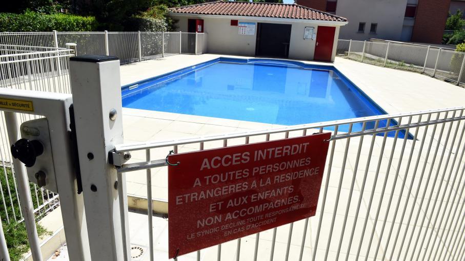 Attention aux squatteurs de piscines - Oreille bouchee piscine ...