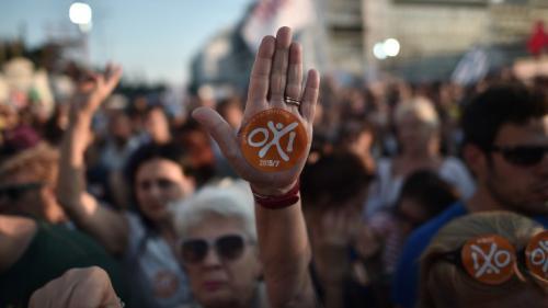 """Etudiante, chômeur, prêtre... Six visages du """"non"""" au référendum grec"""