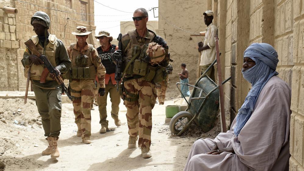 Des soldats français en patrouille à Tombouctou, au Mali, le 6 juin 2015.