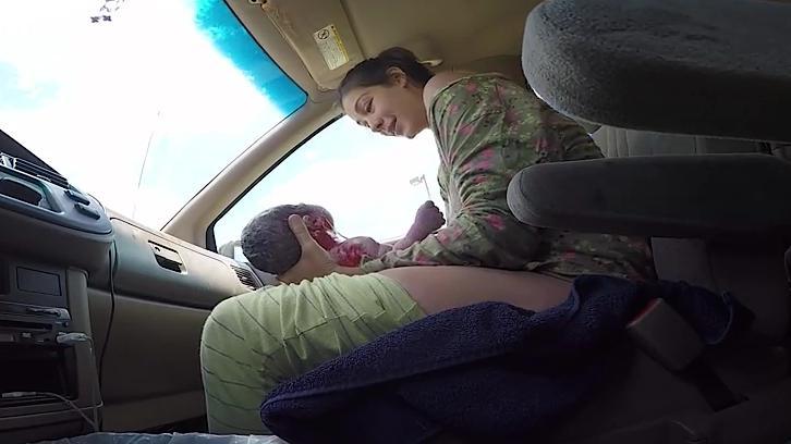 en route pour la maternit que faire si l 39 accouchement arrive dans la voiture. Black Bedroom Furniture Sets. Home Design Ideas