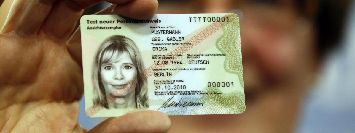 Carte Identite Bresil.Un Allemand Arrete Apres Avoir Passe Sa Carte D Identite Au