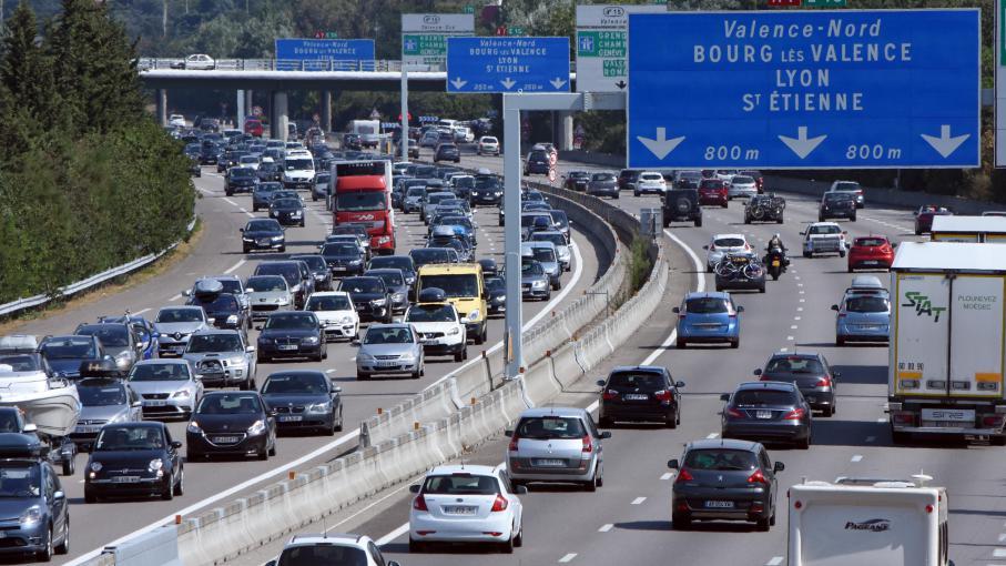 la vitesse bient t limit e 90 km h sur les autoroutes qui traversent les villes. Black Bedroom Furniture Sets. Home Design Ideas