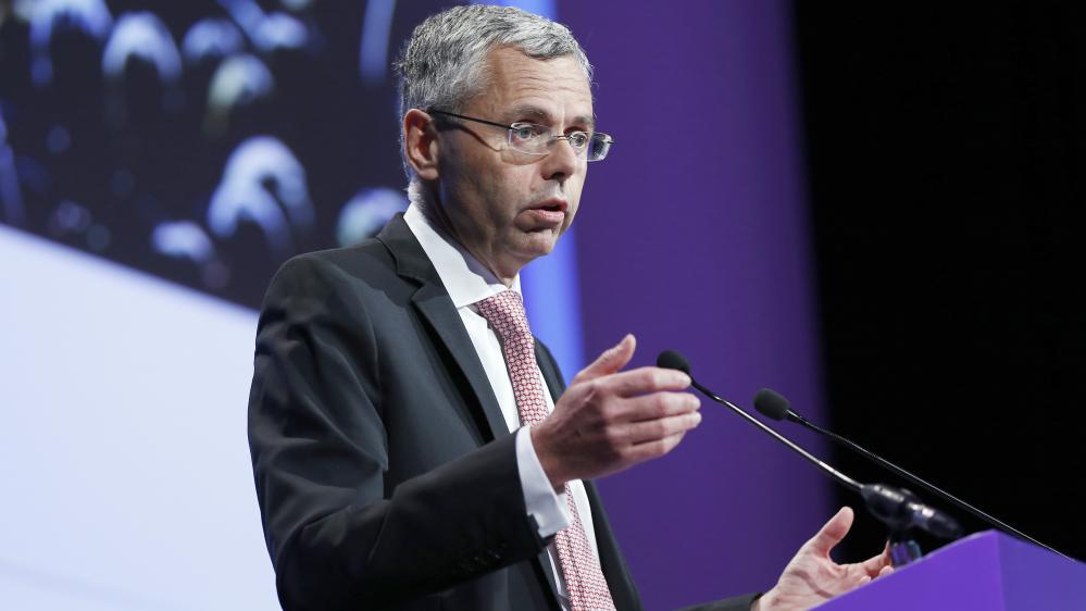 Le patron d'Alcatel, Michel Combes, lors d'une assemblée générale du groupe, le 26 mai 2015.