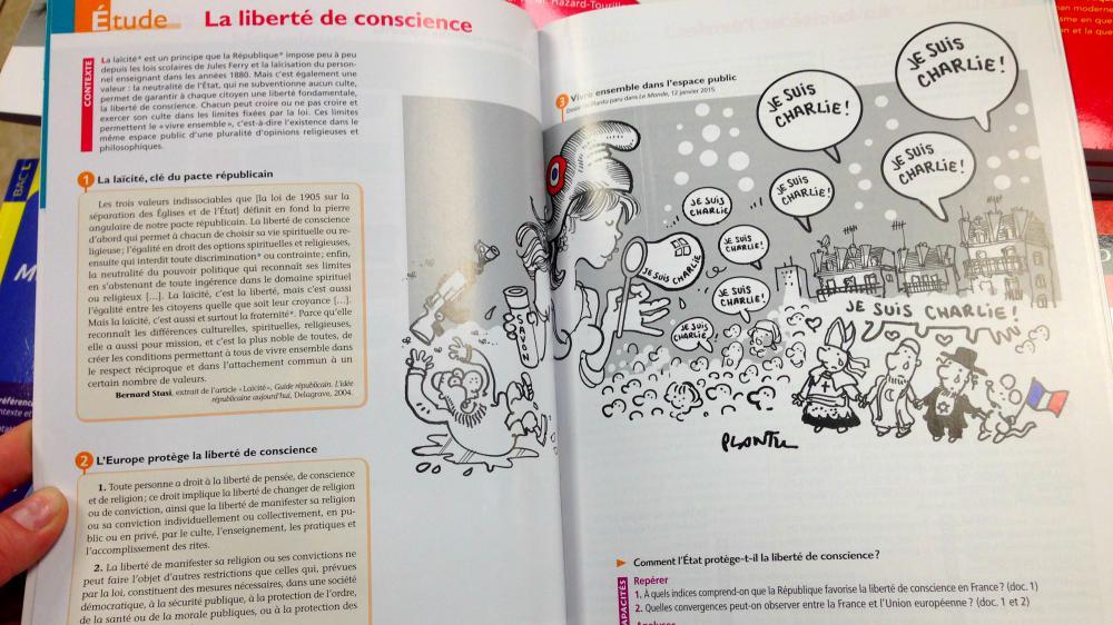 Page d'un manuel d'enseignement moral et civique pour classes de 2de, publié aux éditions Magnard en avril 2015.