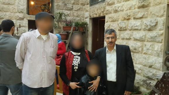 Capture écran d'une photo de Nizar Hamada, en famille, postée sur Facebook en mars 2014.