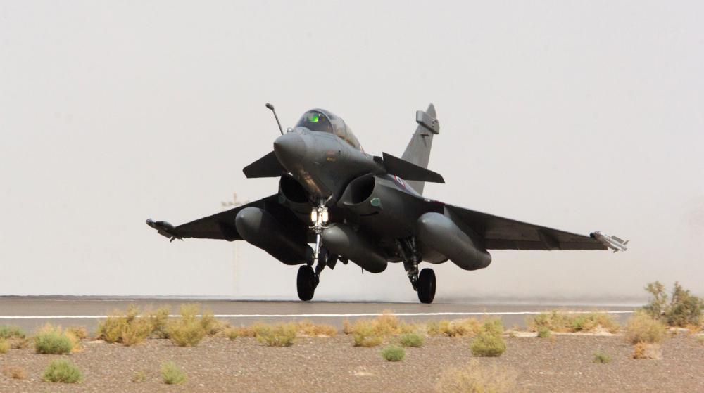 Un avion Rafale décolle pour des vols de reconnaissance en Syrie en vue de frappes aériennes contre des positions de l'Etat islamique, le 8 septembre 2015.