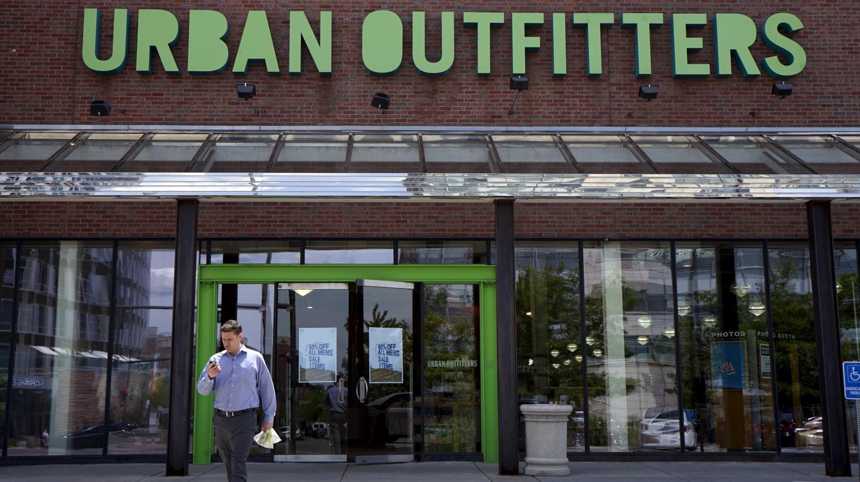 urban outfitters propose  u00e0 ses employ u00e9s am u00e9ricains de travailler b u00e9n u00e9volement le week