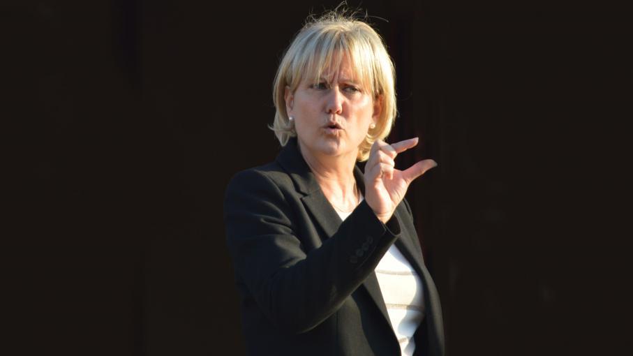 Une association porte plainte contre nadine morano pour - Porter plainte pour propos diffamatoires ...