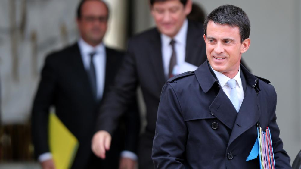 Le Premier ministre, Manuel Valls, sort de l'Elysée, le 28 octobre 2015, à Paris.